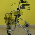 chodítko skládací čtyřkolové - košík ROLLATOR